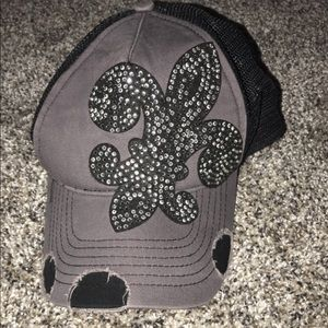 Ladies hat from Buckle.